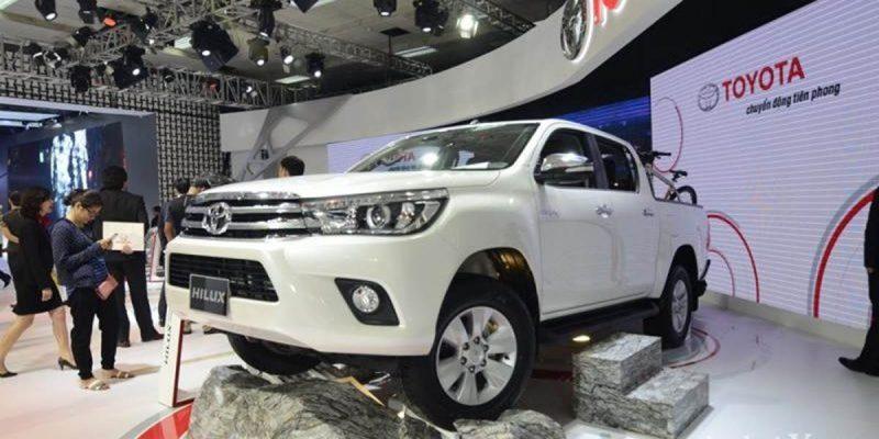 Bán tải Toyota Hilux 2019 hoàn toàn mới với gói trang bị MLM cao cấp cho diện mạo mới